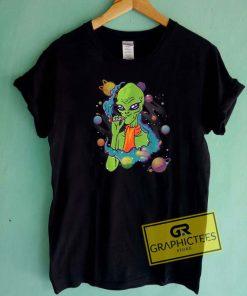 Alien Smoking WeedTee Shirts